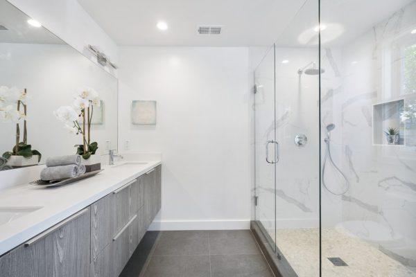 Vinylboden in einem Badezimmer